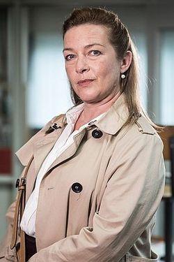 Lice Mother (BE)-Isabelle Van Hecke